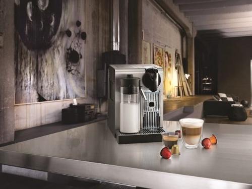 Nespresso Machine De'Longhi, Brushed Aluminum